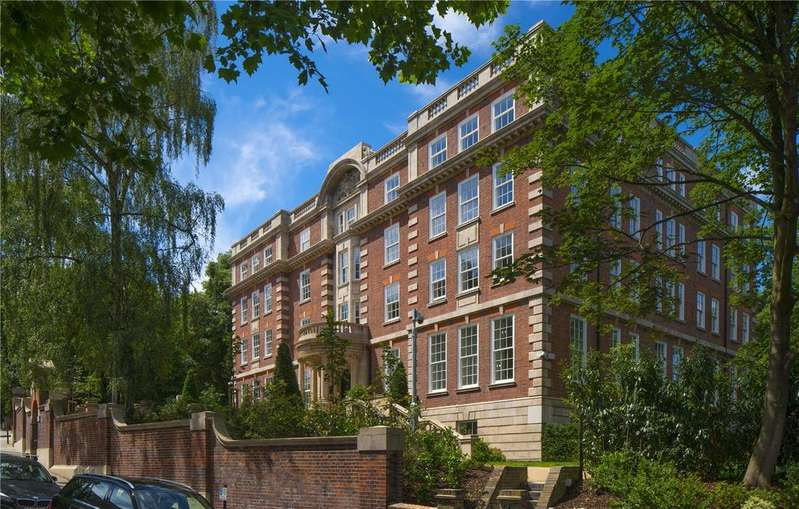 2 Bedrooms Flat for sale in Cholmeley Park, Highgate Village, Highgate, London, N6