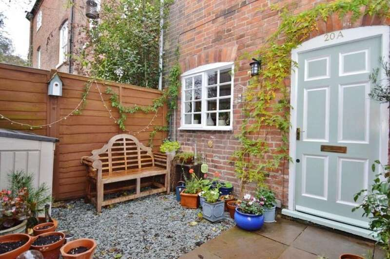 1 Bedroom End Of Terrace House for sale in Crossley Stone,Rugeley
