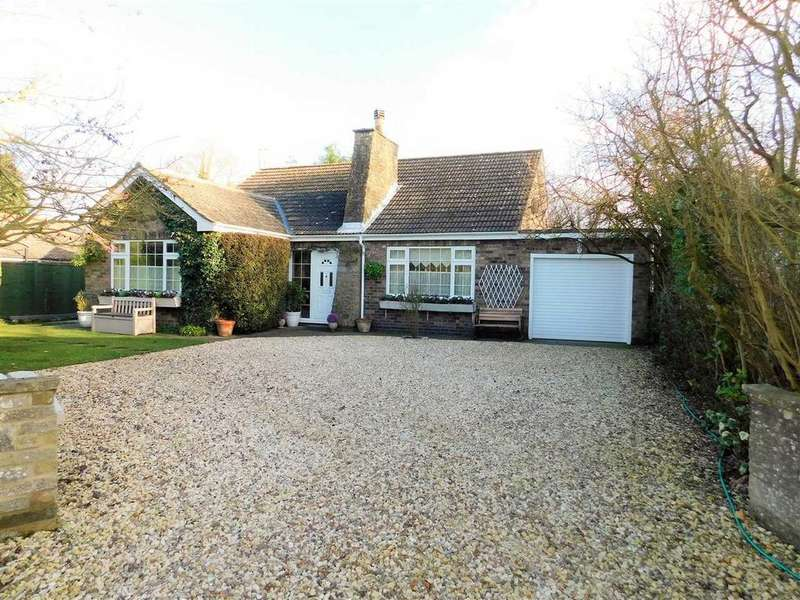 3 Bedrooms Bungalow for sale in CHIMNEYS, HALLS LANE, NORTH KELSEY, BRIGG