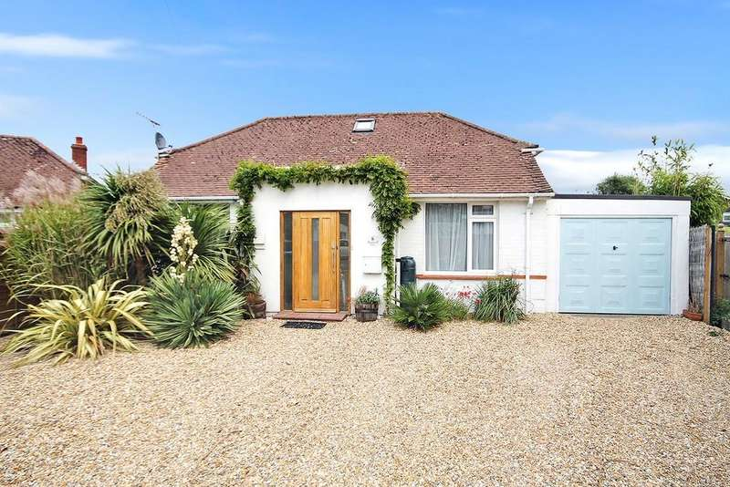 3 Bedrooms Detached Bungalow for sale in East Onslow Close, Ferring BN12 5RR