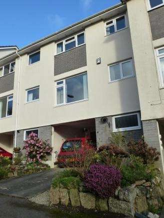 2 Bedrooms Terraced House for sale in Orchard Court, Penzance, Cornwall
