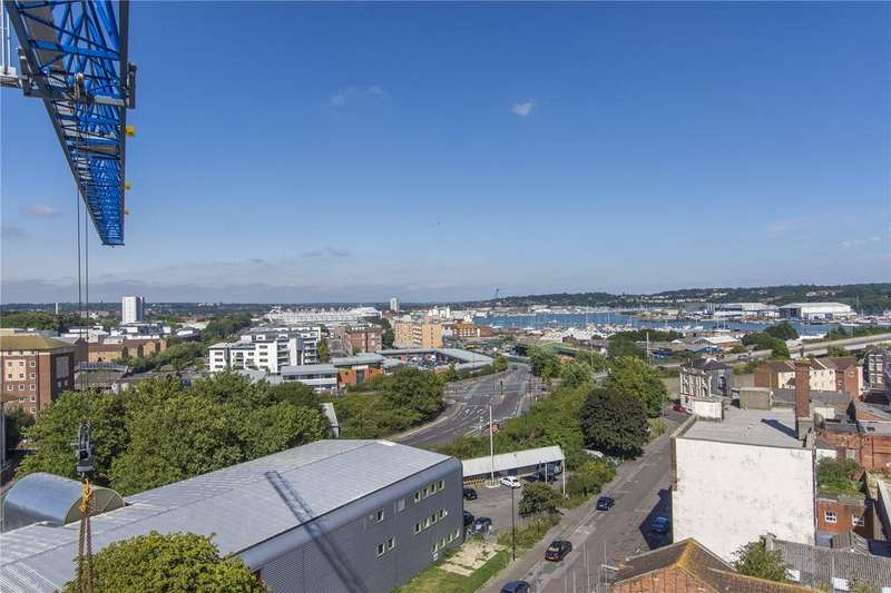 1 Bedroom Flat for sale in Royal Crescent Apartments, Canute Road, Southampton, Hampshire, SO14