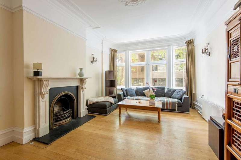 3 Bedrooms Apartment Flat for sale in Adeline Place, WC1B