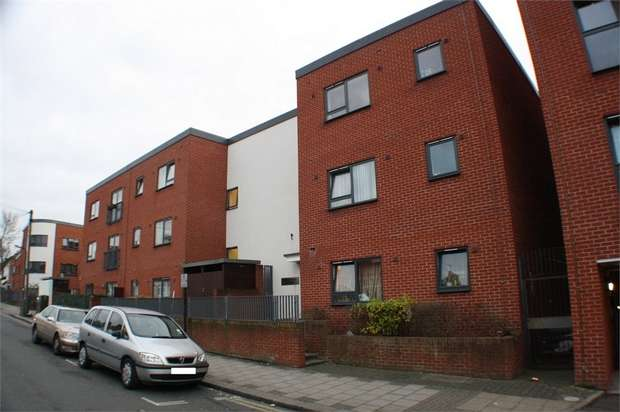 1 Bedroom Flat for sale in Swanley House, Grant Road, Harrow, Middlesex