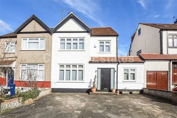 4 Bedrooms Semi Detached House for sale in Delamere Gardens, Mill Hill, London