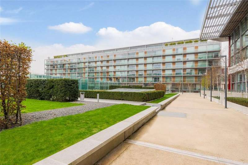 2 Bedrooms Flat for sale in Northstand Apartments, Highbury Stadium Square, London