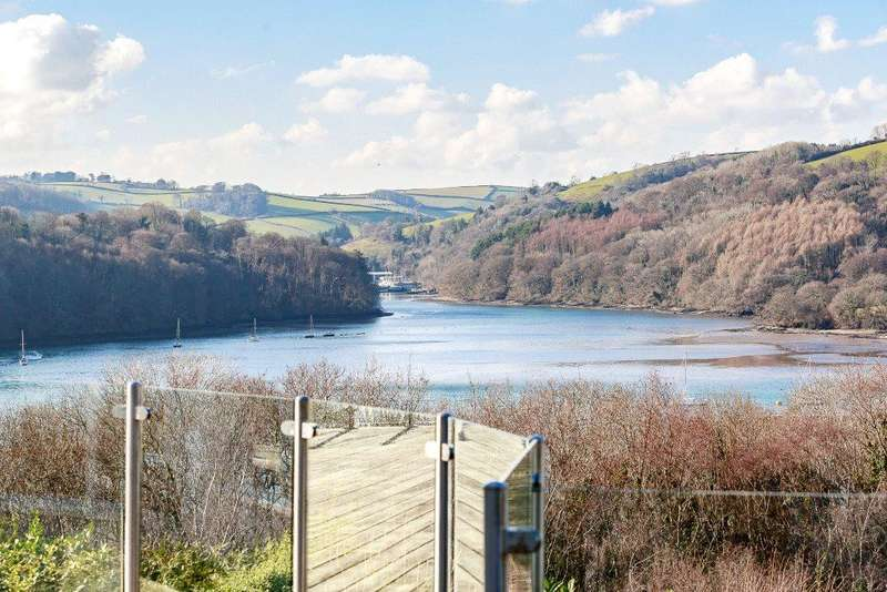 4 Bedrooms Detached House for sale in Bridge Road, Kingswear, Dartmouth, TQ6