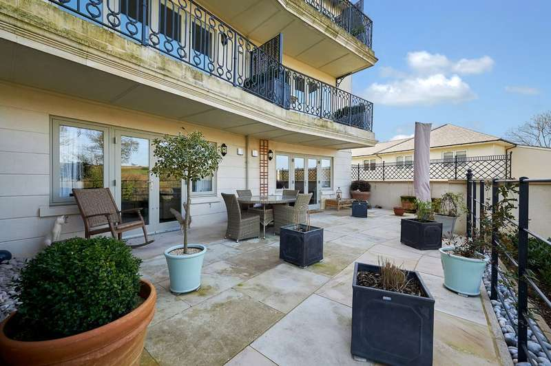 4 Bedrooms Flat for sale in Brunel Crescent, Box