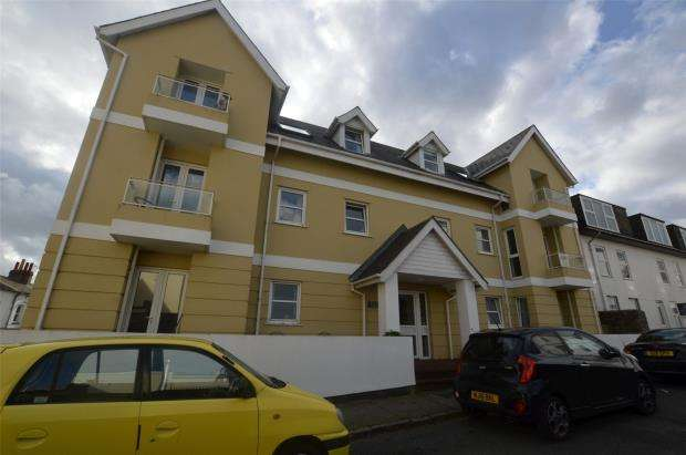 1 Bedroom Flat for sale in Royal Court, Bedford Road, Babbacombe, Torquay Devon