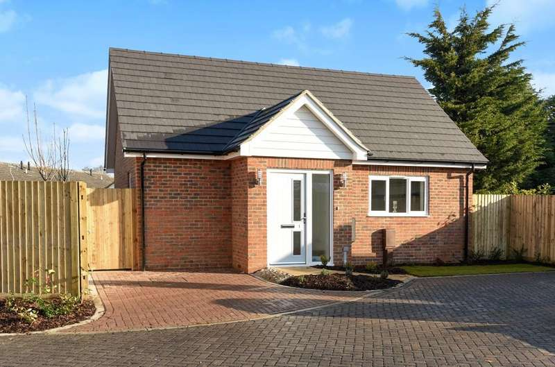 1 Bedroom Detached Bungalow for sale in Renoir Mews, Bersted, Bognor Regis, PO22