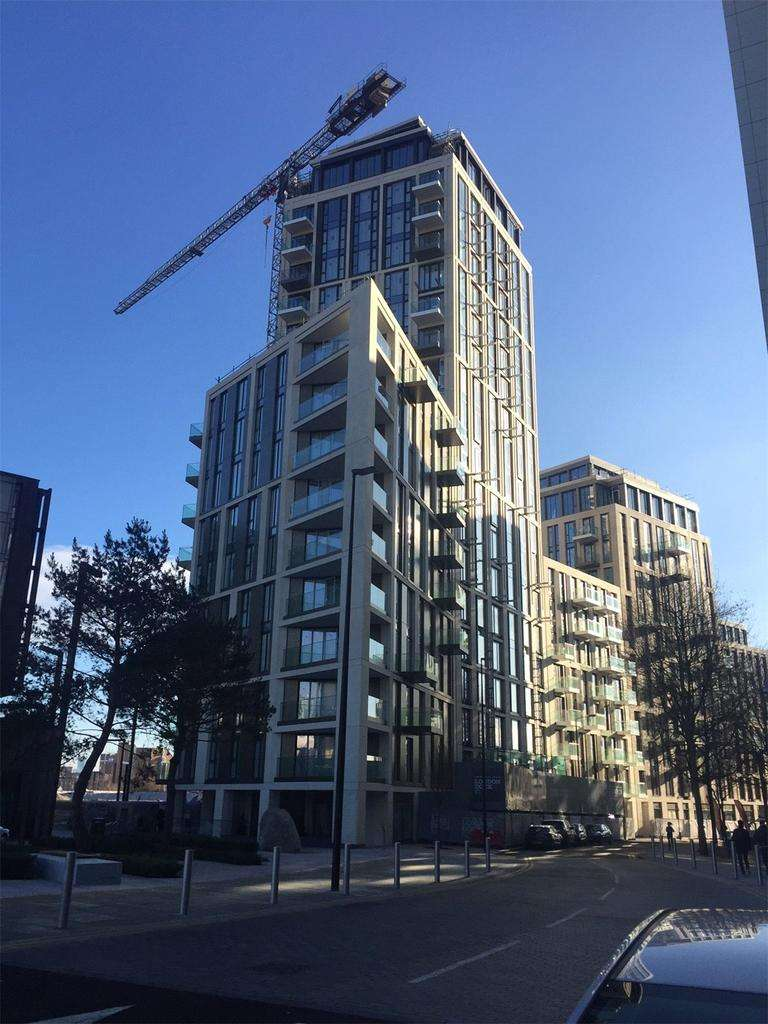 2 Bedrooms Flat for sale in Admiral Tower, Pennington Street, Wapping, London, E1W