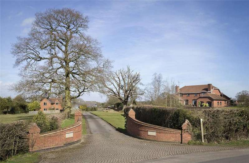 4 Bedrooms Farm House Character Property for sale in Rising Lane, Knowle, Solihull, West Midlands, B93