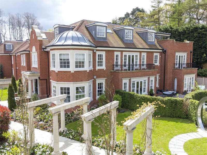 3 Bedrooms Penthouse Flat for sale in Oxshott Lodge, Leatherhead Road, Oxshott, Surrey, KT22