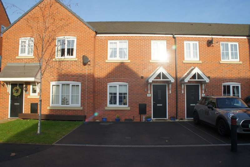 3 Bedrooms Town House for sale in Earlswood Way, Cannock