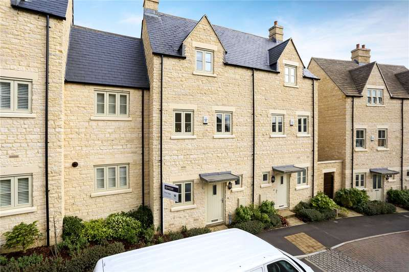 3 Bedrooms Terraced House for sale in Middle Mead, Cirencester, GL7