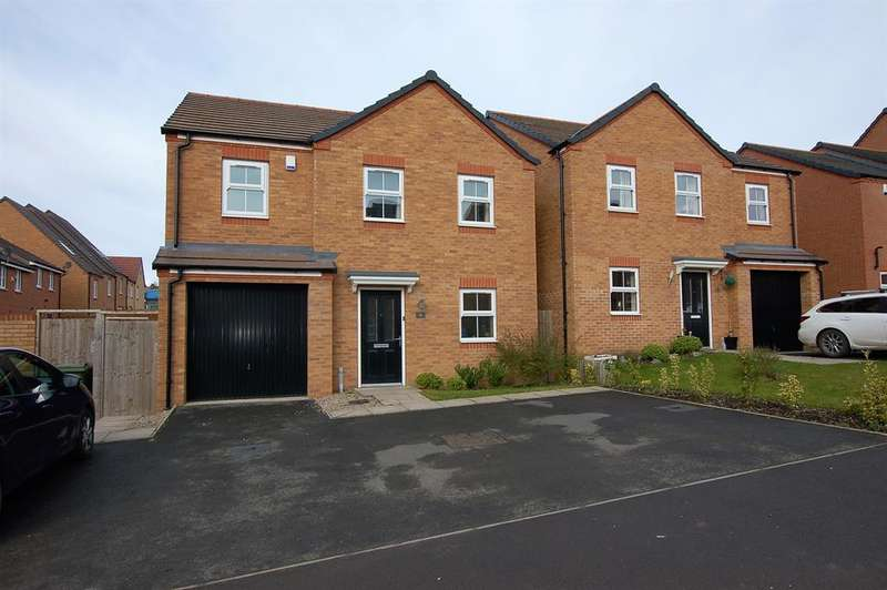 4 Bedrooms Detached House for sale in Cascade Way, Dudley, DY2 8RJ