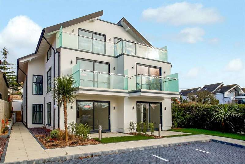 2 Bedrooms Flat for sale in Seadown, 18 Preston Road, Weymouth, Dorset, DT3