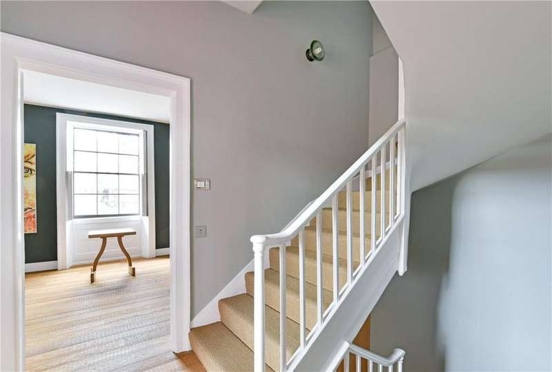 4 Bedrooms House for sale in Park Street, London, SE1