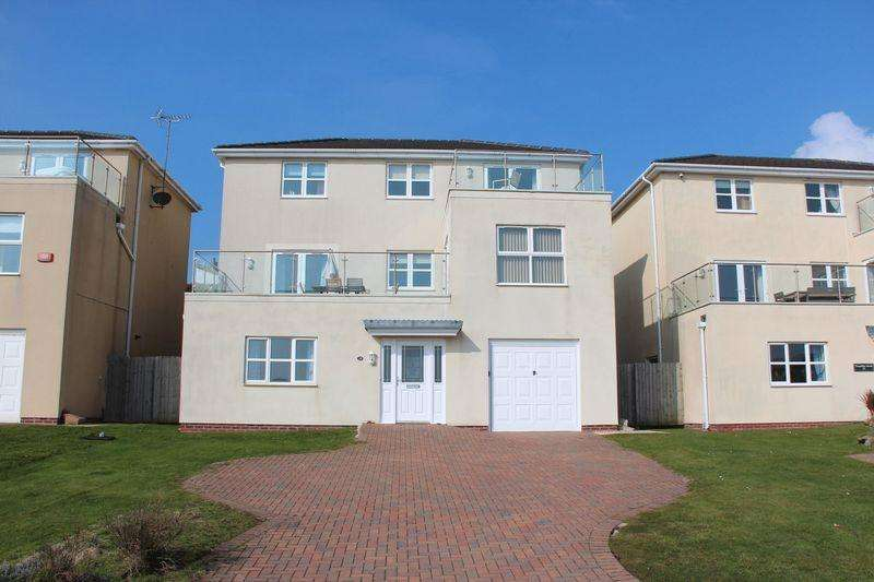 5 Bedrooms Detached House for sale in The Rise, Trearddur Bay
