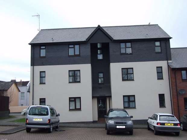 1 Bedroom Flat for sale in BARNSTAPLE, Devon