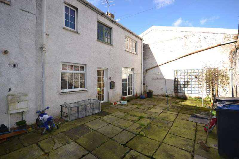 2 Bedrooms Mews House for sale in 8A , Buccleuch Street Hawick, TD9 0HW