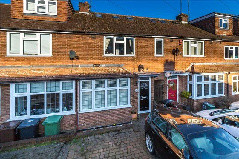 3 Bedrooms Terraced House for sale in Glemsford Drive, Harpenden, Hertfordshire