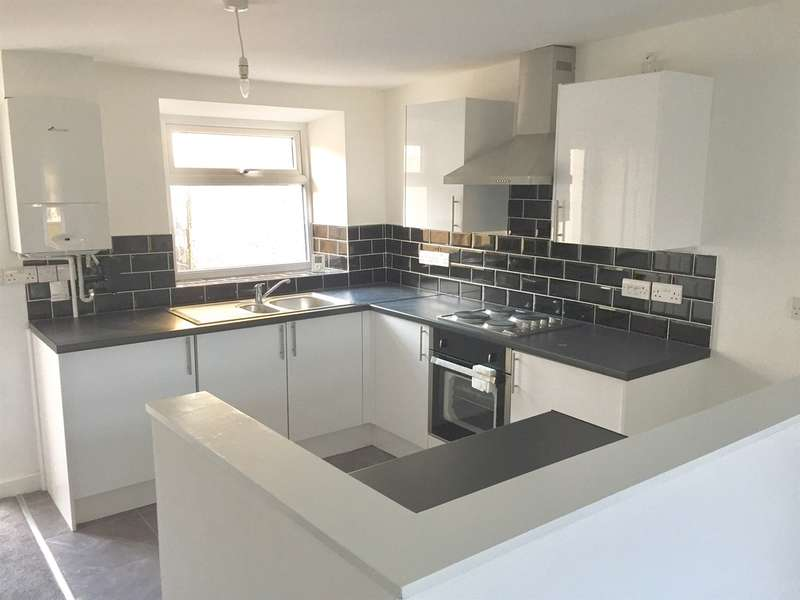 2 Bedrooms Terraced House for sale in Pant Yr Heol, Briton Ferry, Neath