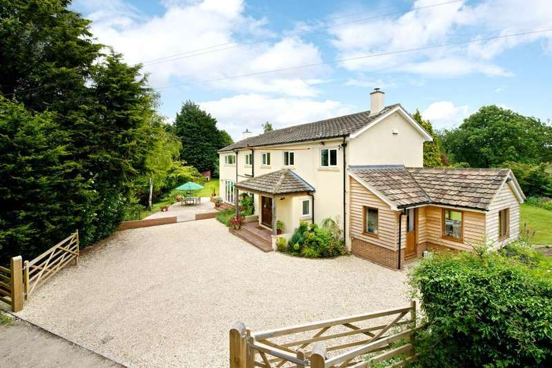 5 Bedrooms Detached House for sale in Eythrope Road, Stone, Aylesbury, Buckinghamshire