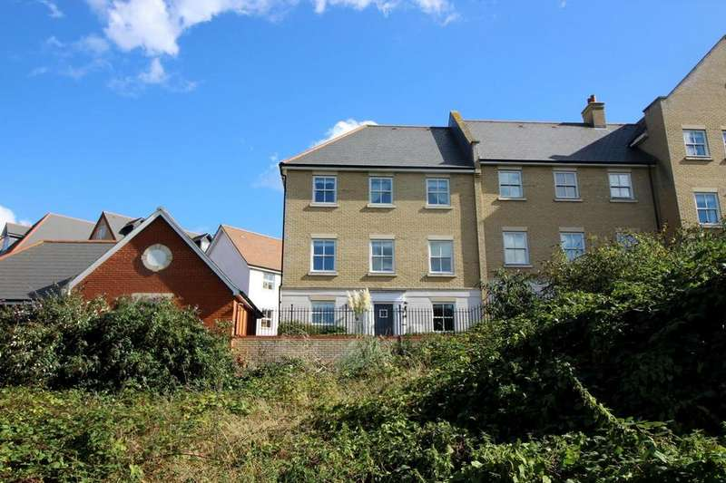 4 Bedrooms End Of Terrace House for sale in Francis Kellerman Walk, Colchester, Essex, CO3