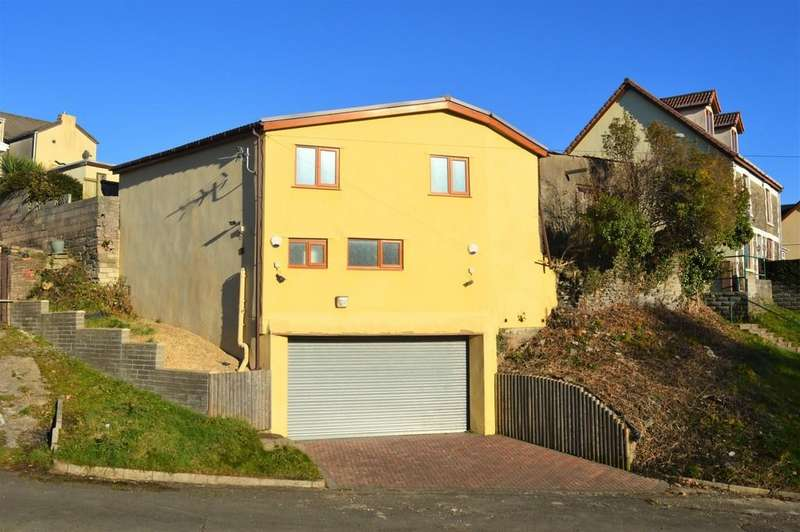 Garages Garage / Parking for sale in Three Storey Garage
