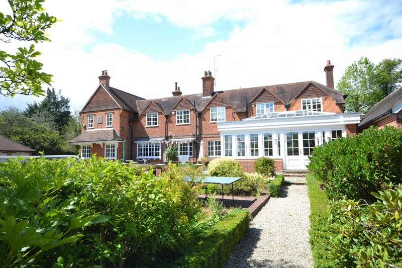 5 Bedrooms Detached House for sale in Ingatestone, Essex