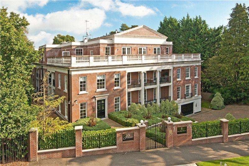3 Bedrooms Penthouse Flat for sale in Parkhill, 5 Esher Park Avenue, Esher, Surrey, KT10