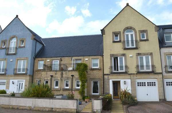 2 Bedrooms Terraced House for sale in 60 Harbourside, Inverkip, Greenock, PA16 0BF