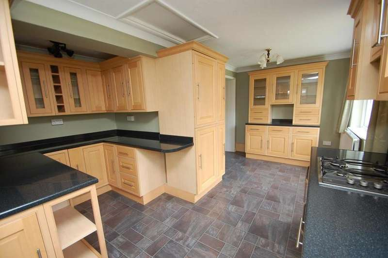 3 Bedrooms Semi Detached House for sale in Pondholton Drive, Witham, Essex, CM8