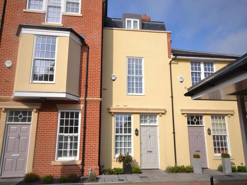 3 Bedrooms Terraced House for sale in Barnetson Place, Dunmow, Essex, CM6