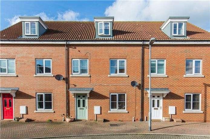 4 Bedrooms Town House for sale in Sheepwash Way, Longstanton, Cambridge