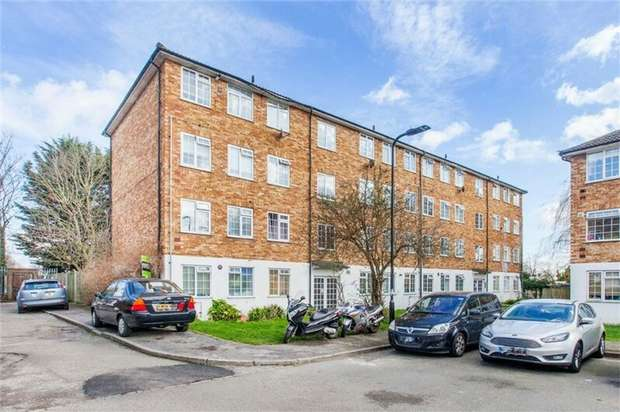 2 Bedrooms Flat for sale in Barbican Road, Greenford, Greater London