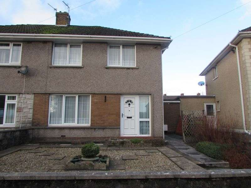 3 Bedrooms Semi Detached House for sale in Heol-Y-Nant , Heol-Y-Cyw, Bridgend. CF35 6HT