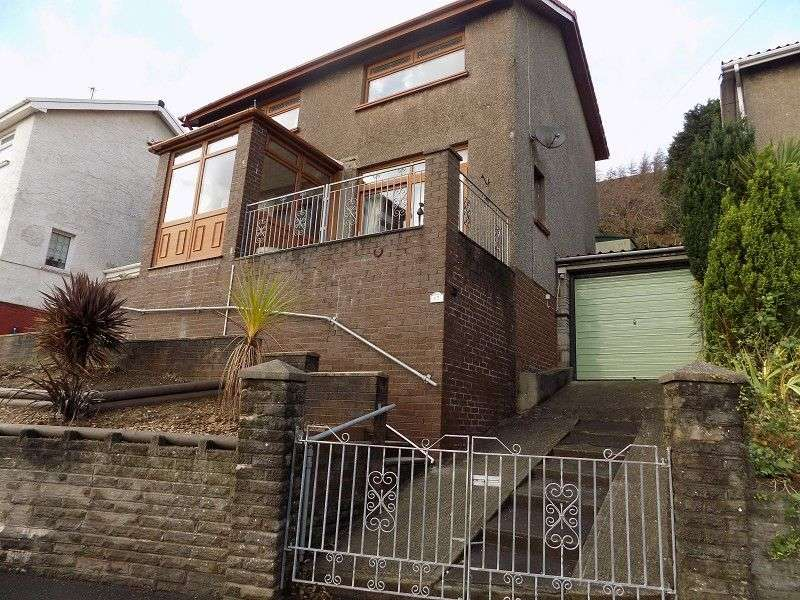 3 Bedrooms Detached House for sale in Broomhill , Port Talbot, Neath Port Talbot. SA13 2US