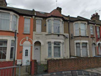 3 Bedrooms Terraced House for sale in Southbury Road, Enfield
