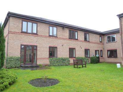 1 Bedroom Flat for sale in Oulton Court, Warrington, Cheshire