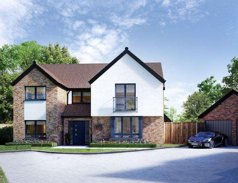 5 Bedrooms Detached House for sale in Luxborough Lane, Chigwell , Essex, IG7