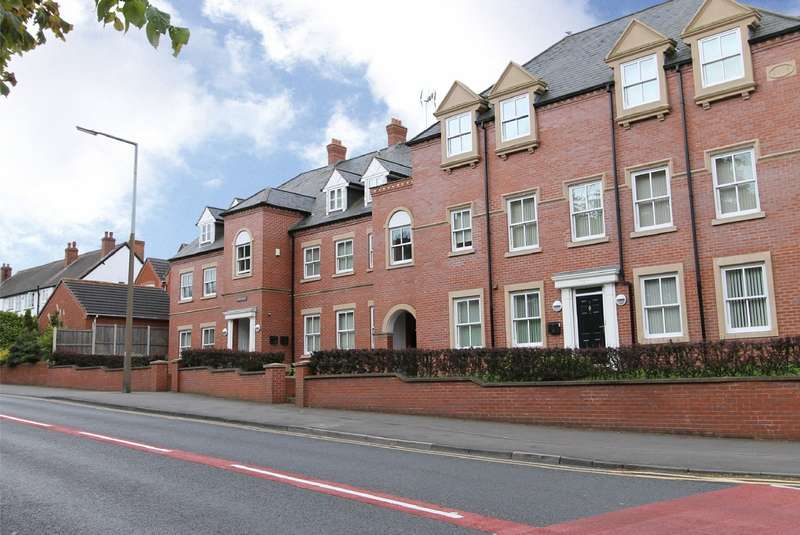 2 Bedrooms Apartment Flat for sale in Love Lane, Oldswinford, Stourbridge, DY8