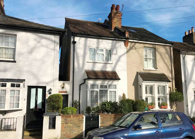 3 Bedrooms Semi Detached House for sale in Kingston Upon Thames