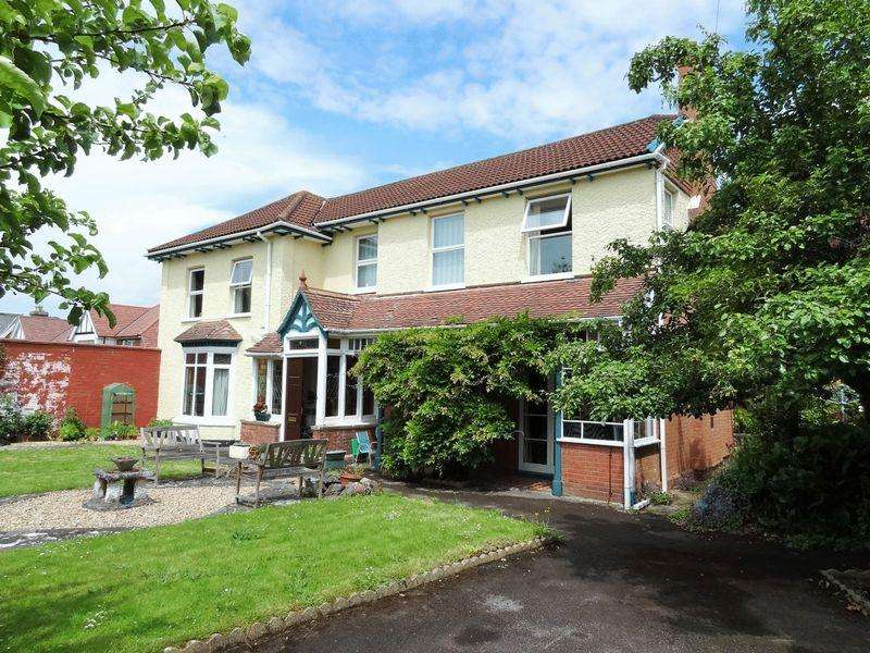 6 Bedrooms Detached House for sale in Wembdon Road, Bridgwater