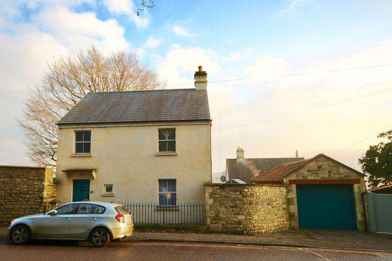 3 Bedrooms Detached House for sale in London Road West, BA1