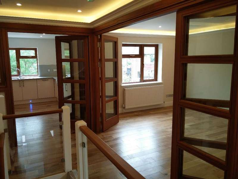 3 Bedrooms Flat for sale in Pennine Drive, Cricklewood