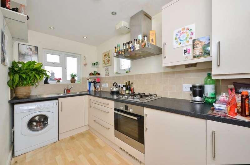 1 Bedroom Flat for sale in Old Shoreham Road Hove East Sussex BN3