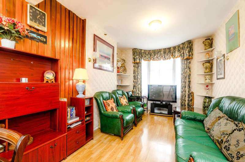 3 Bedrooms House for sale in Meath Road, Stratford, E15