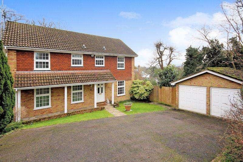4 Bedrooms Detached House for sale in Addington Village